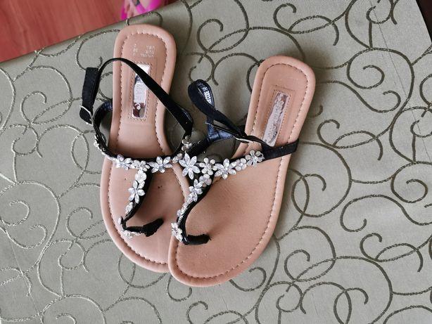 Japonki sandały