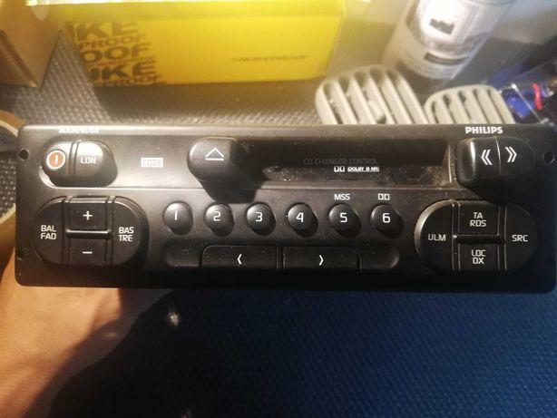 Radio, colunas e controlador de volante - Renault Clio II (1998)