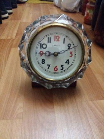 Часы настольные механические