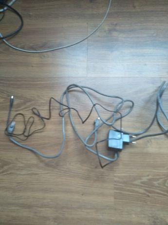 2 przewody do podłączenia routera internet