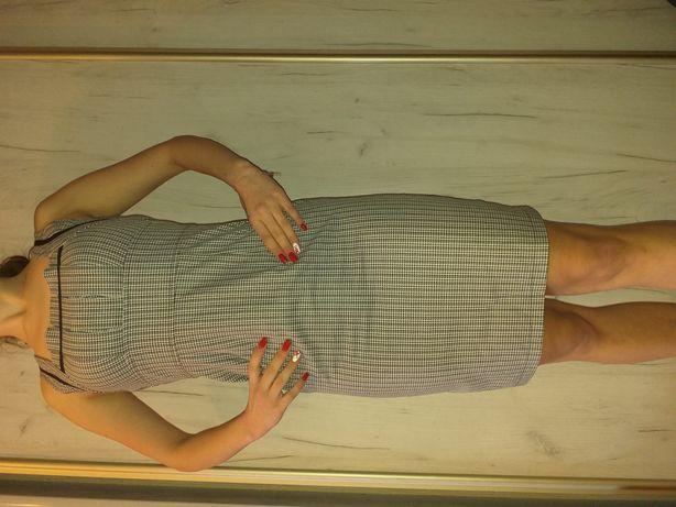 Piękna sukienka w kratkę