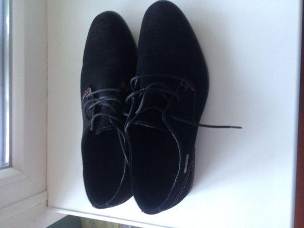 Туфли замшевые мужские черного цвета 39 размера