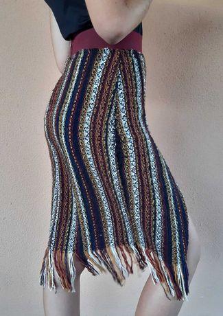 Saia crochet ZARA Trafaluc - tam. XS/S, estilo lápis