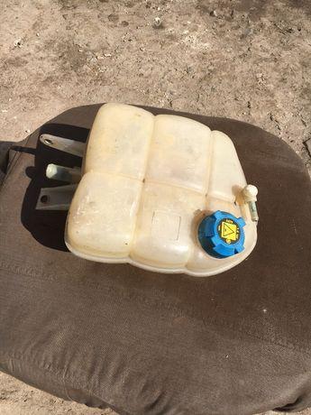 Продам Бачок расширительный пластиковый Германия