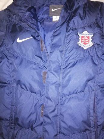 Оригинальная куртка Nike.