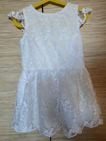 Sukienka/sukieneczka Reserved roz.116 koronkowa/na świeta
