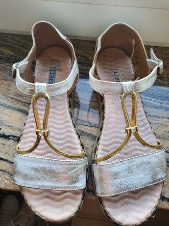 Piękne sandałki Włoskie Libero