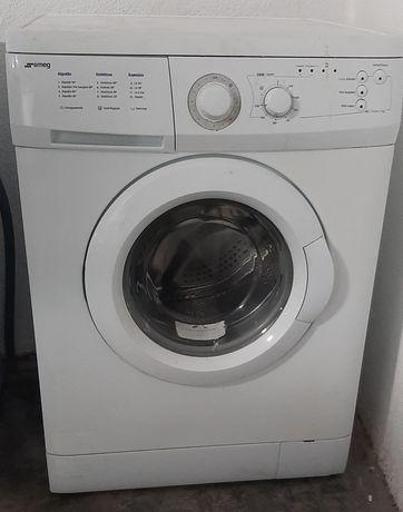 Máquina de lavar roupa  Smeg 7kg