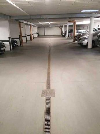 Miejsce postojowe w garażu podziemnym Projektant Biecka i Korczyńska