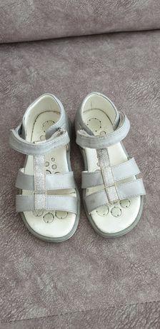 Sandálias chicco T 26