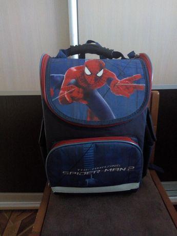 Продам рюкзак kite для 1-3 класс в хорошем состояние