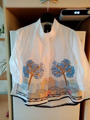 Nowa biała koszula z pięknym haftem na przodzie