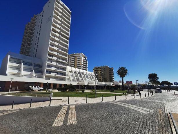 Apartamento em frente à praia da Rocha