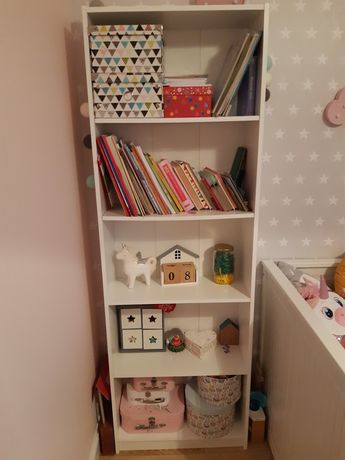 Regał na książki do pokoju dziecięcego Ikea