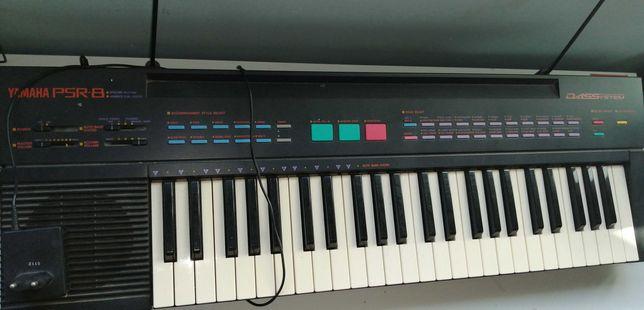 Vintage Yamaha PSR-8 Keyboard teclado