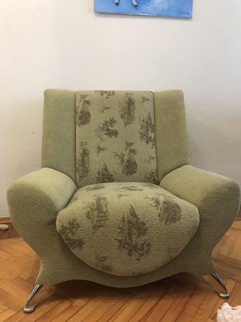 Продам 2 кресла недорого