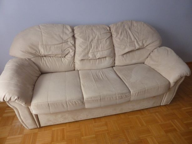 Sofa z funkcją spania oraz dwa fotele
