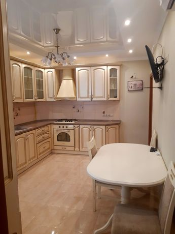 Продається 3х кімнатна квартира Бровари,Грушевського 19