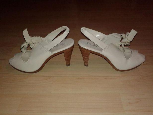 Stylowe kremowe buty na obcasie z kokardą kokarda rozmiar 41