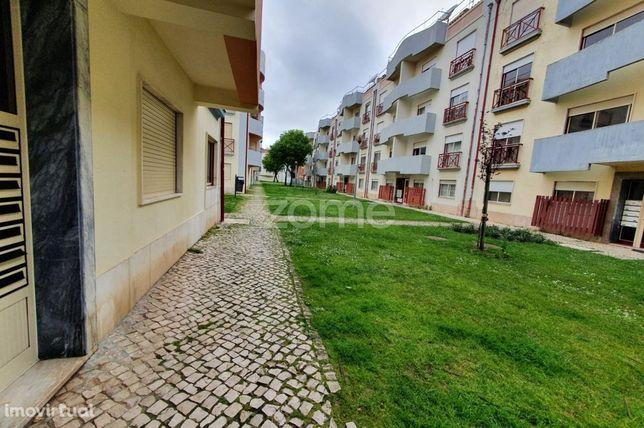 Excelente Apartamento T2 Abóboda/ Cascais/ São Domingos de Rana