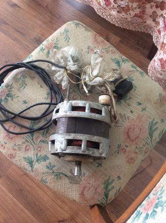 Мотор від пральної машинки