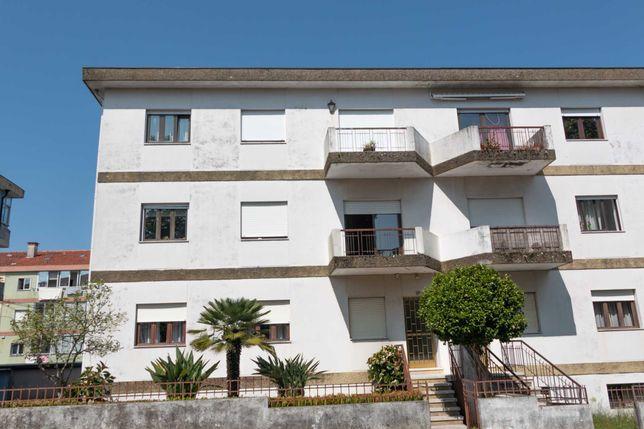 Apartamento T3+1 São Vítor Braga com sótão e garagem individual