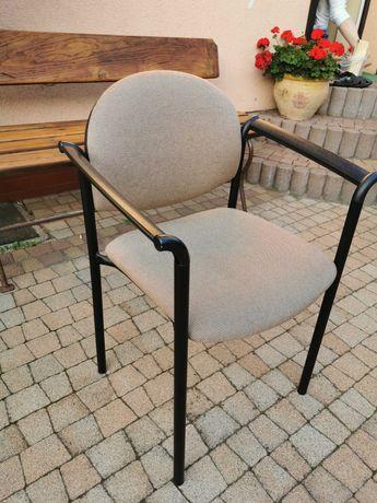Krzesło biurowe kolor beżowy
