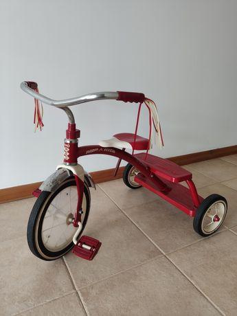Triciclo Rádio Flyer para criança ou decoração em metal