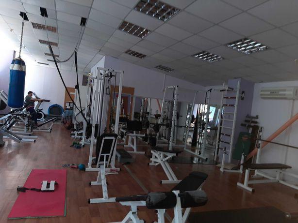 Оборудование для тренажерного зала и фитнеса