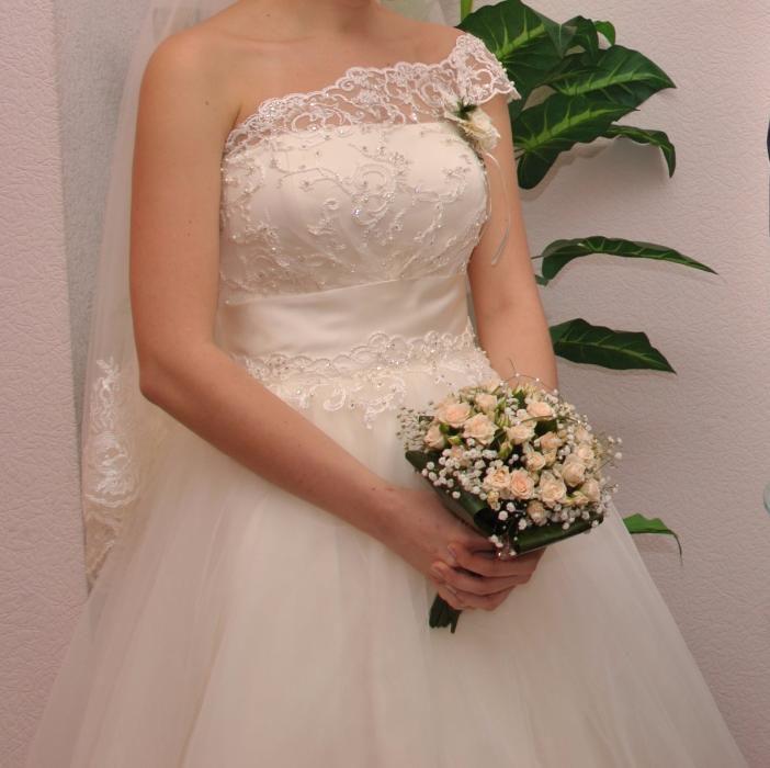 Свадебное платье 44 размер Донецк - изображение 1