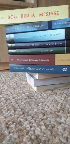 Książki są NOWE  . Tematyka biblijną.