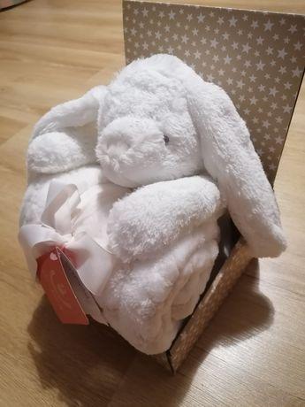 Kocyk niemowlęcy + maskotka królik Bobobaby