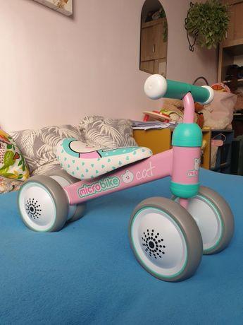 Microbike mały rowerek dla dziecka biegowy trzykołowy