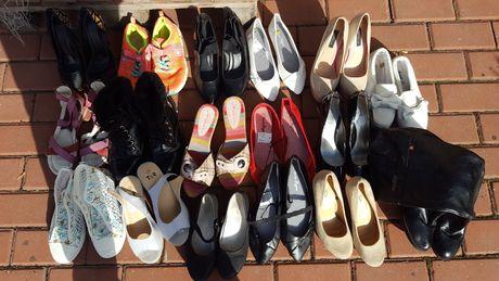 Karton butów mix 16 par
