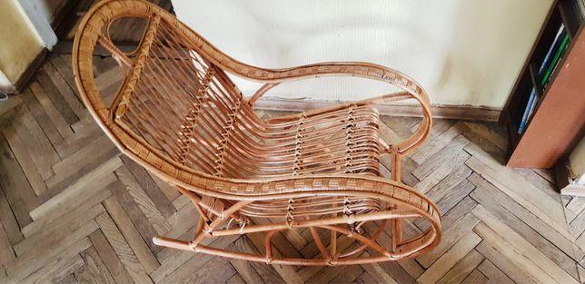 Дятяча гойдалка крісло з лози