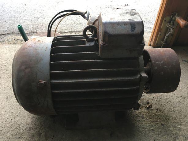 Silnik dwubiegowy 7,5 kw
