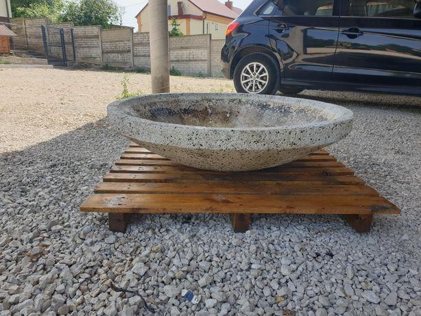 Misia Kamienna, donica kamienna, pojemnik zbiornik do fontanny