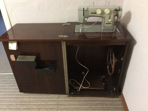 Швейная машинка Чайка 116-2