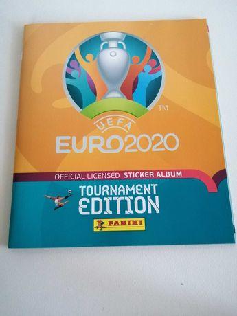 Cadernetas e cromos do Euro e Mundial de Futebol