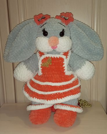 Вязані мякі іграшки