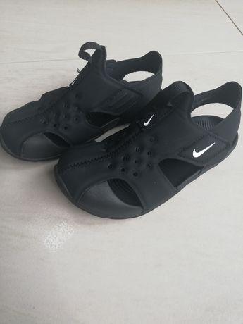 Sandałki nike czarne rozmiar 28 wkładka 17cm