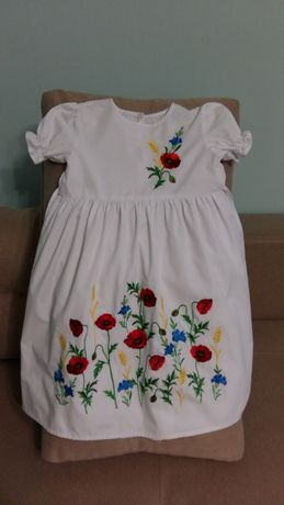 Очень красивое украинское платье, р.128
