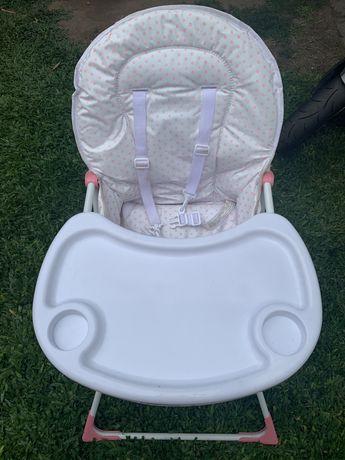 Cadeira de bebé com mesa