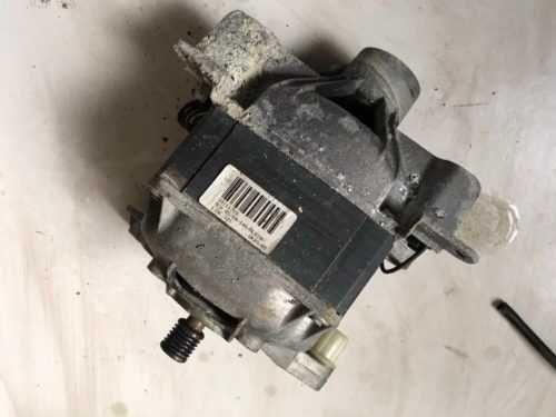 Рабочий мотор двигатель на стиральную машину Whirlpool AWT 2295