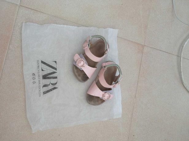 Sandálias Zara tamanho 22