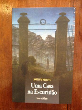 José Luís Peixoto - Uma casa na escuridão