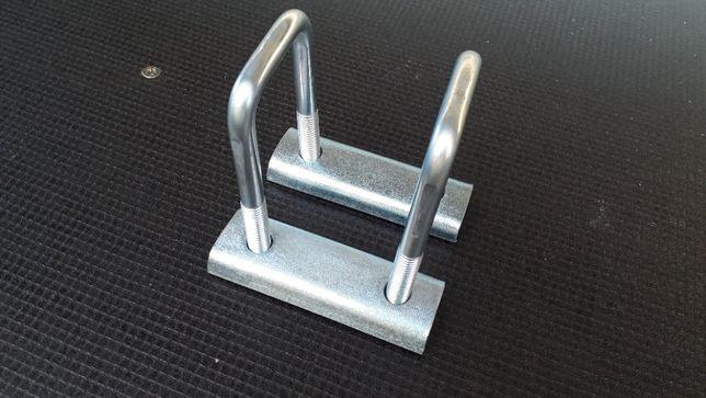 Mocowanie osi 50x50 do resora 60mm przyczepy lekkiej M12