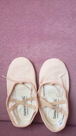 Чешки,балетки, танцевальная обувь.
