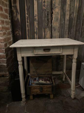 Rustykalny stolik/ toaletka - antyk