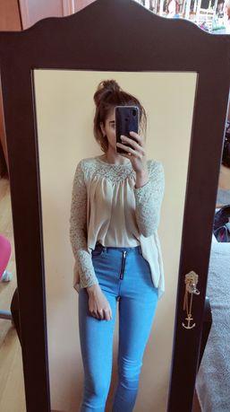 Elegancka koronkowa koszula beżowa